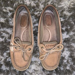 Gently used Sperrys